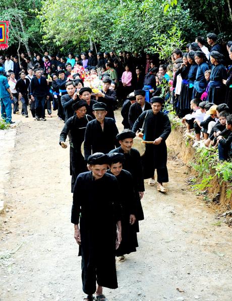 Lễ hội Tết Khu Cù Tê – Di sản văn hoá phi vật thể quốc gia.