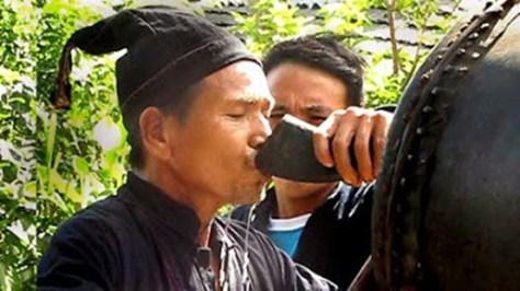 """Rượu """"hoãng"""", rượu này chỉ dùng trong các ngày lễ tết."""