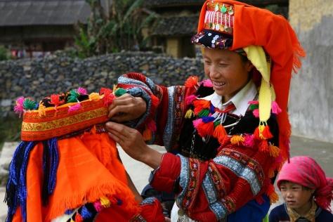 Người Lô Lô vốn là cư dân của quốc gia Nam Chiếu, sinh sống ở vùng lòng chảo Tứ Xuyên, Trung Hoa. Ảnh KT