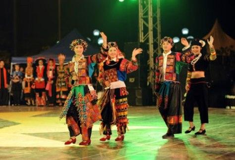 Trang phục truyền thống dân tộc Lô Lô.