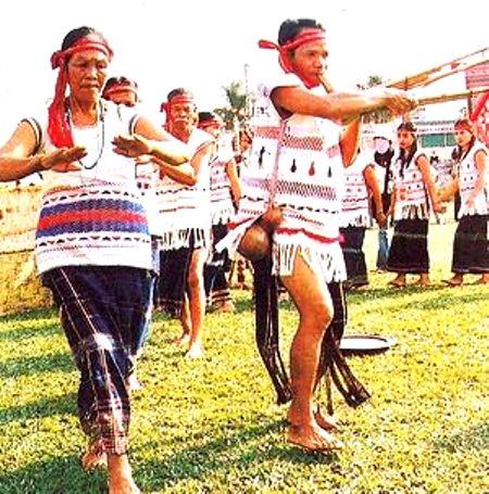 Trang phục dân tộc Mạ.