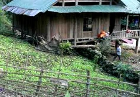 Một ngôi nhà của người Mảng.