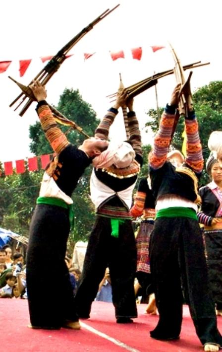Kềnh tộc H'Mông.