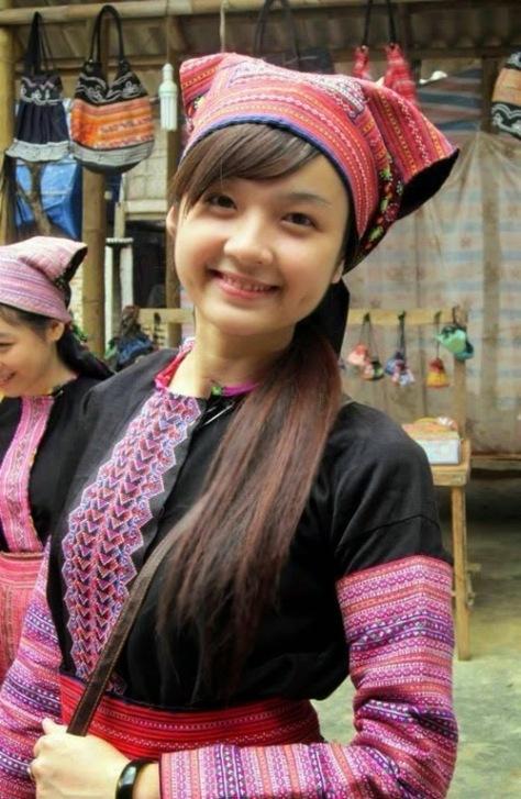 Trang phục Nữ người H'Mông.