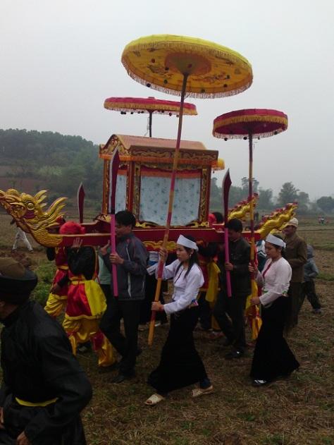 Nghi lễ Sắc phong và Rước Thánh trong lễ hội Đình Cổi.