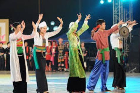 Trang phục dân tộc Mường.