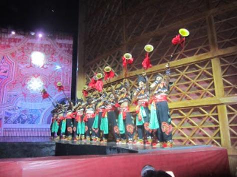 pl_Bộ ảnh tộc Yi trình diễn văn hóa dân nhạc truyền thống Lễ hội Torch Festival năm 2013-1