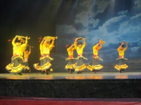 pl_Bộ ảnh tộc Yi trình diễn văn hóa dân nhạc truyền thống Lễ hội Torch Festival năm 2013-2