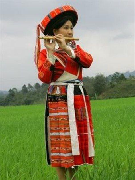 Trang phục nữ - tộc Pà Thẻn.