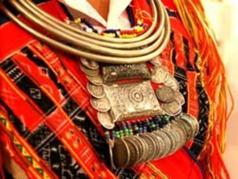 Trang sức của phụ nữ tộc Pà Thẻn.