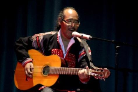 NSND Ymoan trình diễn bài Giấc mơ Chapi trong một chuyến lưu diễn.