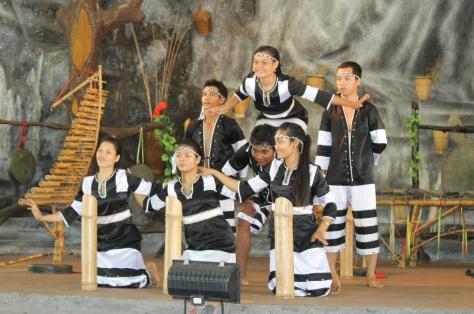 Đội ngũ diễn viên tộc Raglai.