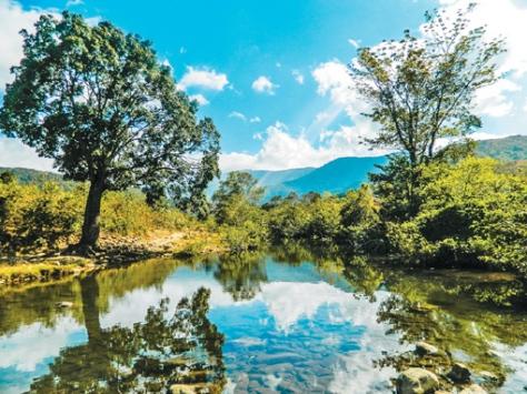 Huyện Bác Ái nơi đồng bào Raglai sinh sống có nhiều phong cảnh hữu tình, nên thơ.