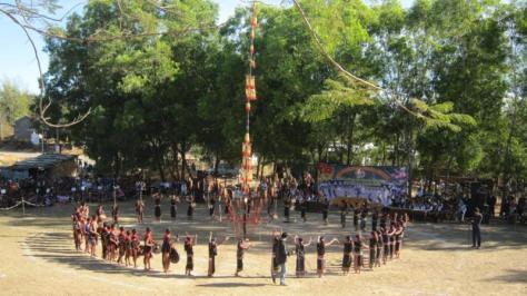 Lễ đâm trâu của người Rơ Măm, Kon Tum.