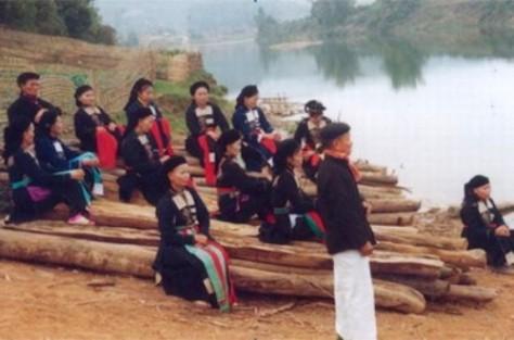 Dân ca Cao Lan.