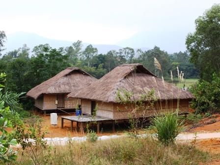 Ngôi nhà của dân tộc Sán Chay tại Làng Văn hóa – Du lịch các dân tộc Việt Nam. (Ảnh Thanh Huyền)