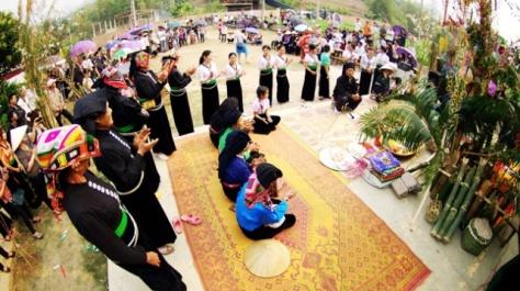Cầu mưa là dịp trọng đại nhất trong năm của người Thái.