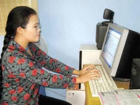 Sưu tập và lưu giữ về văn hóa dân gian người Tà Ôi là công việc cấp thiết của Tiến sĩ Kê Sửu/Nguyễn Thị Sửu.