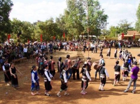 Lễ hội Mừng lúa mới – nét văn hóa đặc sắc dân tộc Xơ Đăng.