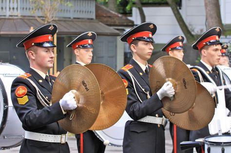 Chũm Chọe đôi được diễn tấu trong một dàn quân nhạc ở Đức.
