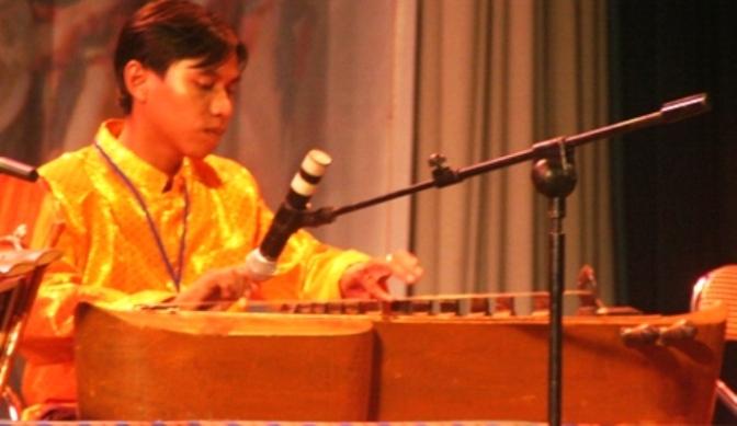 Nhạc cụ cổ truyền VN – Đàn Tà Khê, Truô Sô, Truô Nguôk, Khưm Tôch, Chapây Chomriêng