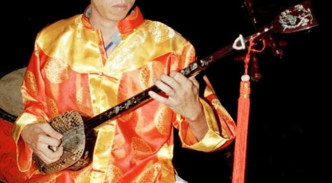 Nhạc cụ cổ truyền VN – Đàn Tam