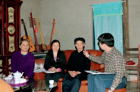 Ngoài Tính Tẩu 12 dây, nghệ nhân Dương Thục còn biết chơi và chế ra nhiều loại đàn khác.
