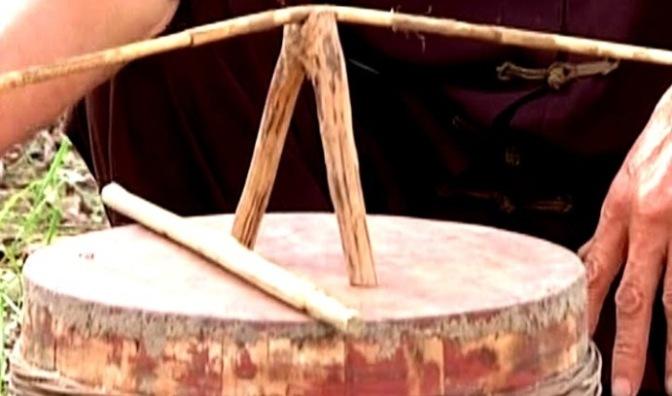 Nhạc cụ cổ truyền VN – Trống Quân/Trống Thùng