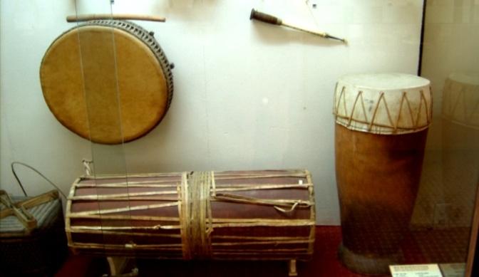 Nhạc cụ cổ truyền VN – Kèn Xaranai/Saranai & các nhạc cụ của người Việt/Chăm