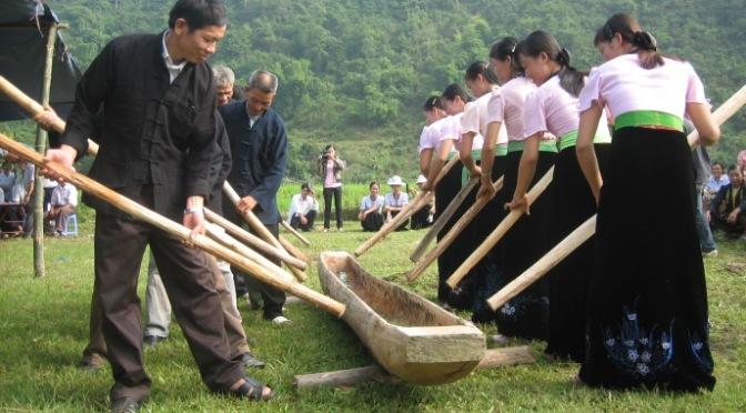 Nhạc cụ cổ truyền VN – Khua Luống/Quánh Loóng
