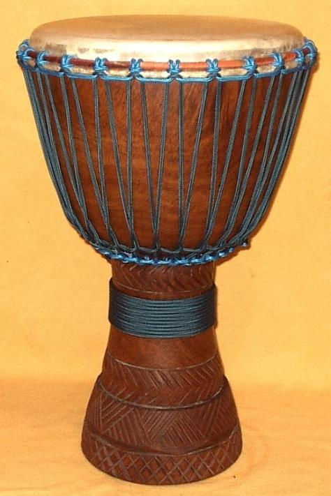 Trống Djembe.