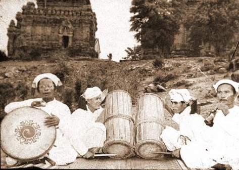 Ban nhạc Chàm.