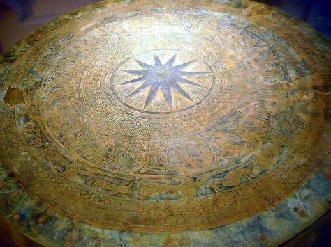 Trống đồng Đông Sơn, trưng bày tại Bảo tàng Lịch sử Việt Nam, Hà Nội, Việt Nam.