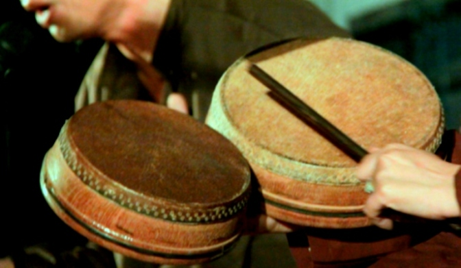 Nhạc cụ cổ truyền VN – Trống Mảnh/Đan Diện Cổ