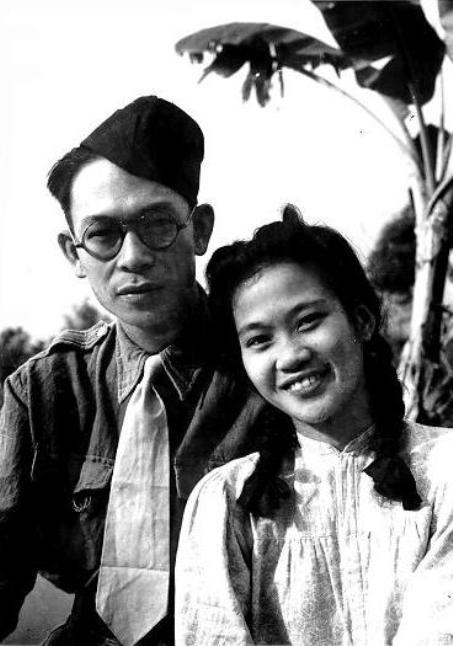 Chợ Neo, 1949 - Phạm Duy, TháiHằng, một tháng sau ngày cưới.