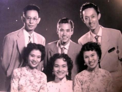 Phạm Duy và Ban Thăng Long.