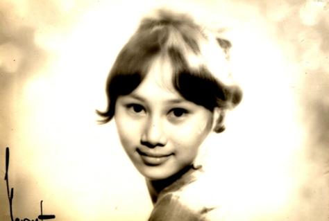 Ca sĩ Lê Uyên thời trẻ.