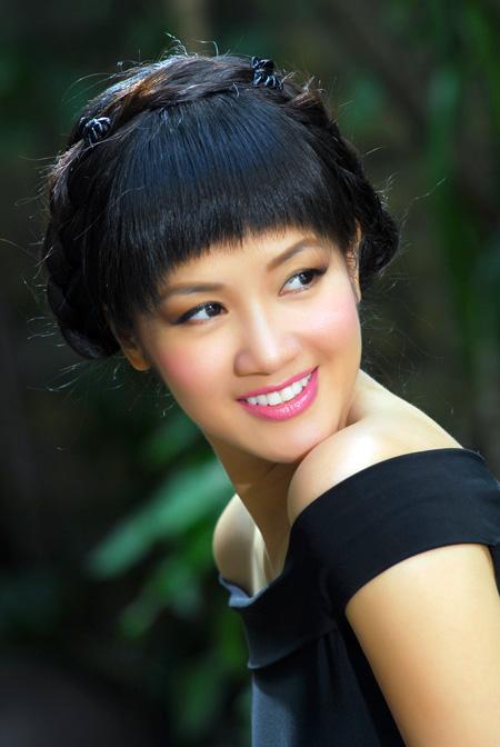 Ca sĩ Hồng Nhung.