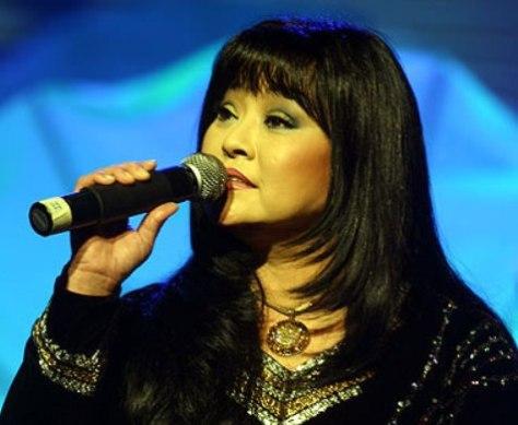 Ca sĩ Hương Lan.