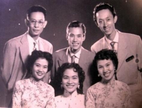 Ban Hợp Ca Thăng Long của gia đình Thái Thanh.