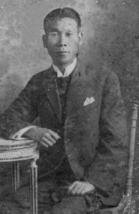 Nhà văn hiện thực Phạm Duy Tốn, phụ thân của NS Phạm Duy.