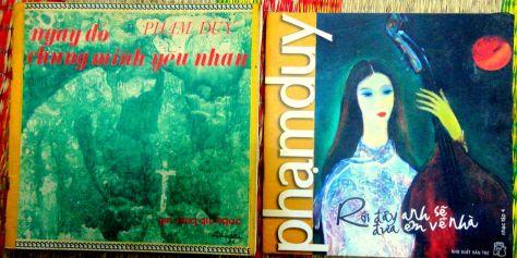 Tập ca khúc Phạm Duy thuộc hai thời kỳ-- Bên trái là tập Ngày đó chúng mình yêu nhau, do Hiện đại xuất bản 1971, Bên phải-- Rồi đây anh sẽ đưa em về nhà, Phương Nam xuất bản 2007.