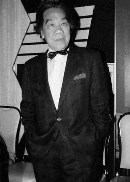 Ca nhạc sĩ Trần Văn Trạch.