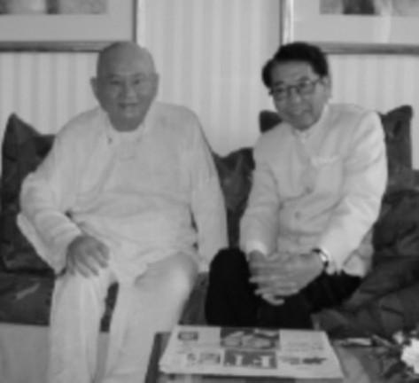 NS Hoàng Thi Thơ với thiền sư Lương Sĩ Hằng, người sáng lập hội Vô Vi Quốc Tế.