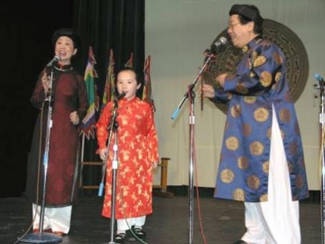 Trần Quang Hải và Bạch Yến trong một buổi hòa nhạc ở Seatle (Mỹ), 01/2006.