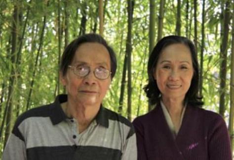 Nhà văn Nguyễn Đình Toàn và bà Tú Xương Thu Hồng. Huntington Beach Library 2014. Photo by Đặng Tam Phong.