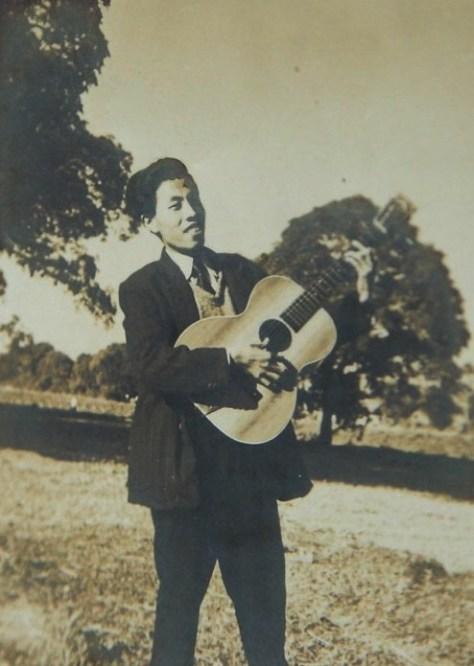 Nhạc sĩ Y Vân thời trẻ.