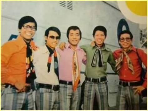 Ban nhạc Phượng Hoàng: Hựu Hà, Khiêm, Elvis Phương, Trung Cang, Trung Vinh. (từ trái qua)