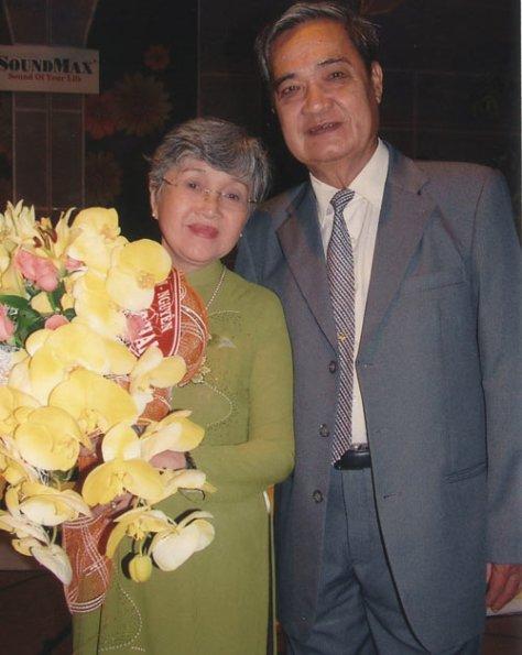 Vợ chồng nhạc sĩ Thanh Sơn.