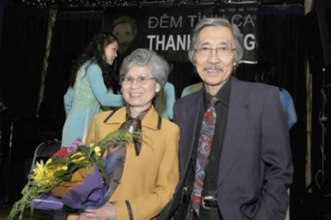 Nhạc sĩ Thanh Trang và phu nhân (ảnh: Văn Lan-Người Việt)